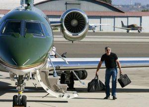 9 Harrison Ford avec son jet privé