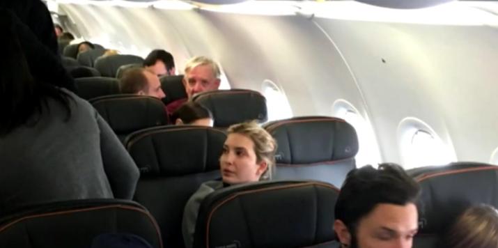 Ivanka Trump étonnée dans le vol Jet Blue