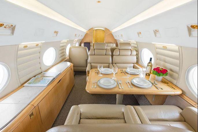 08 Jim Carrey – Gulfstream 5