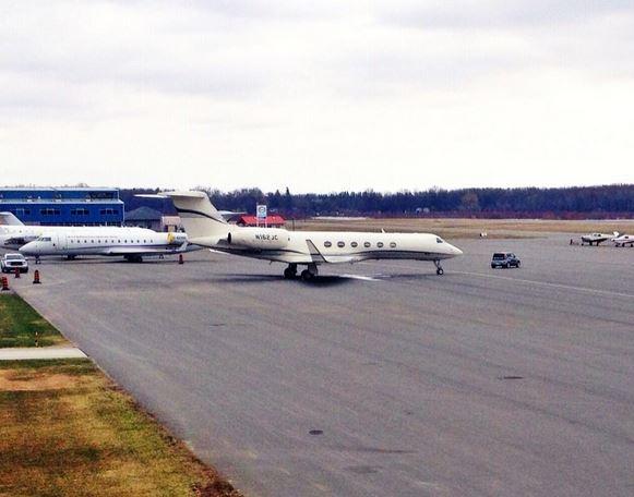 07 Jim Carrey – Gulfstream V, prix $59 millions