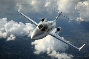 4 Honda jet privé en vol