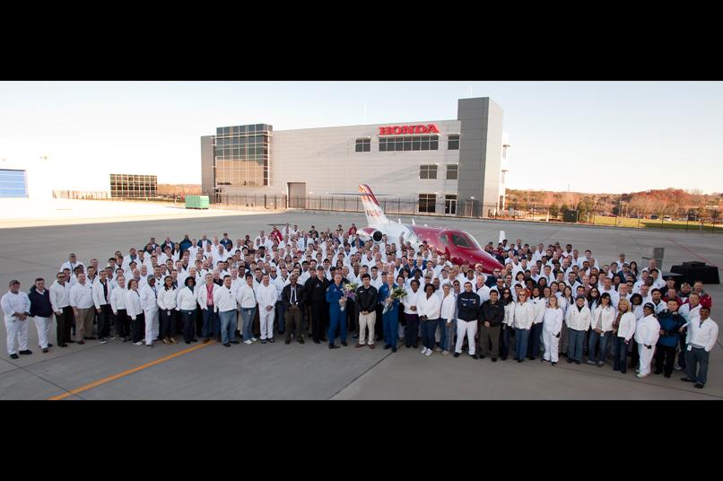 16 Employées Honda jet