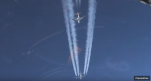 avion avec biocarburant suivi par un avion qui mesure ses émissions