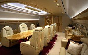 salle de réunion d'un jet privé