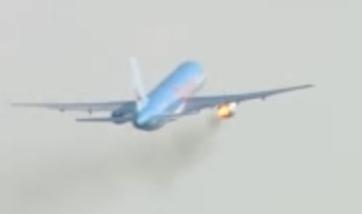 Boeing 757 avec moteur en feu après collision avec un oiseau au décollage