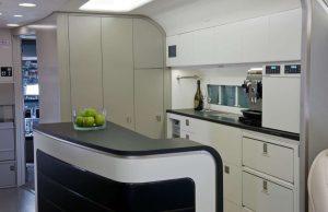 Boeing 737 Business Jet - avec une cuisine très bien équipée, machine à café, machine pour compacter les ordures