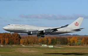 Boeing 747-430 Private Jet - €190 millions - le sultan du Brunei l'a acheté pour 90 millions d'euros et en a dépenser 100 pour le personnaliser