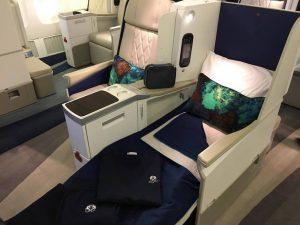 chaque siège à des couvertures en cachemire, des coussins lombaires, et plus - photo Sarah Kimmorley