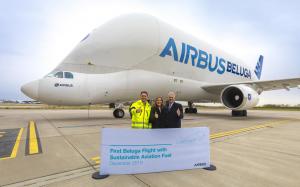 Airbus Beluga volant avec biocarburants