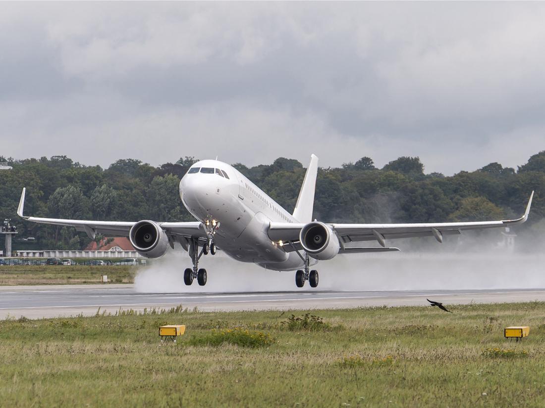 00 Airbus ACJ319 – photo Cabinet Alberto Pinto