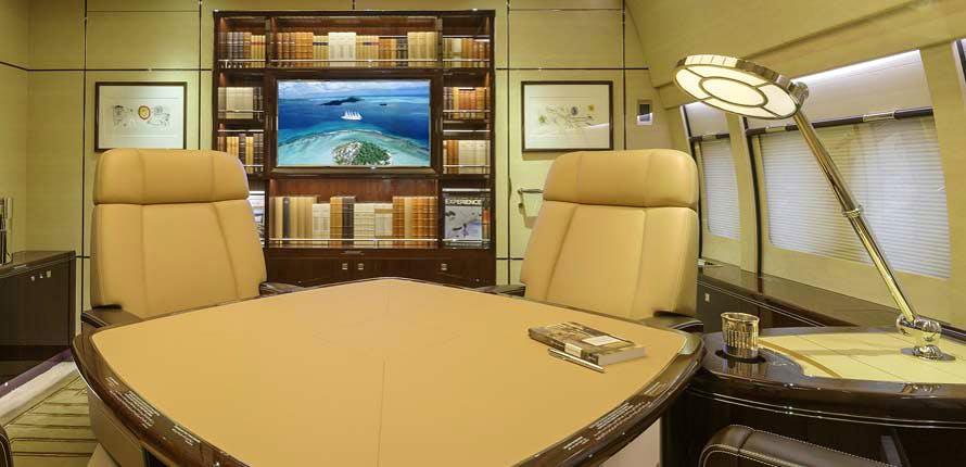Boeing BBJ 747-8 Alberto Pinto – bureau