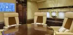 Boeing BBJ 747-8 Alberto Pinto - salle de conference