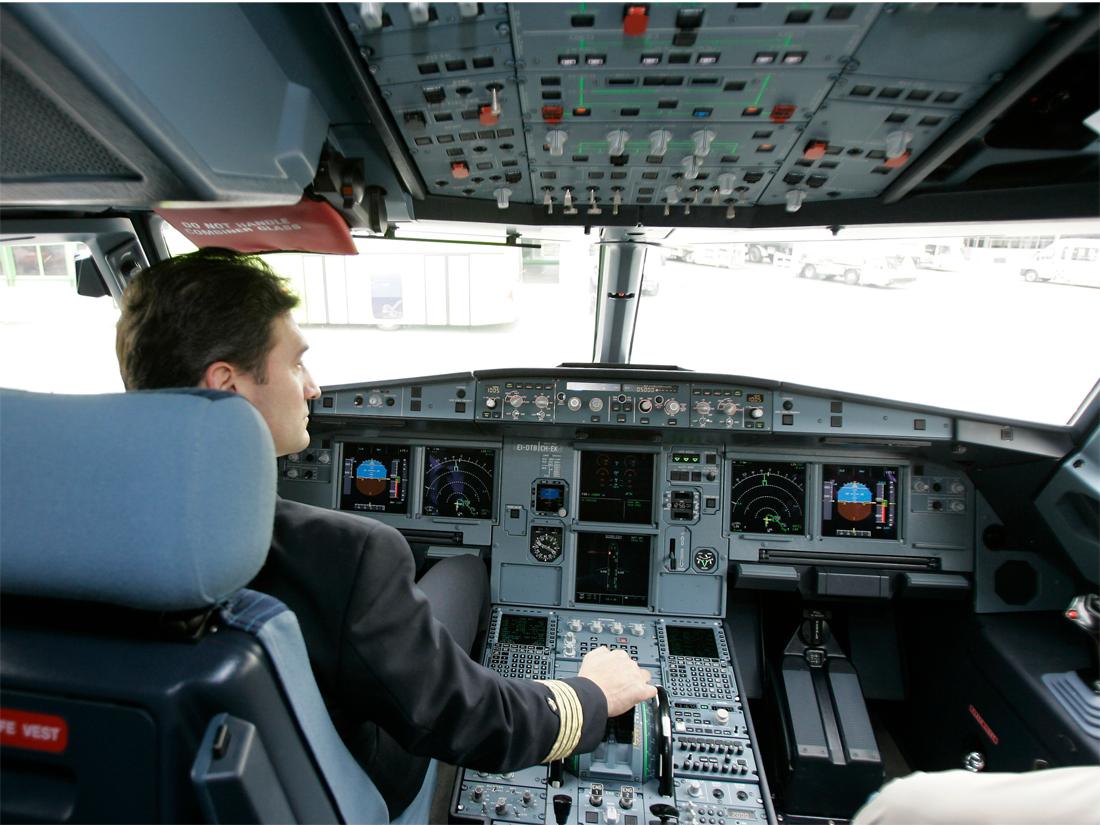 le cockpit – photo Cabinet Alberto Pinto