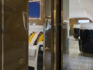 16 le living privé peut être séparé en fermant ses portes - photo Cabinet Alberto Pinto