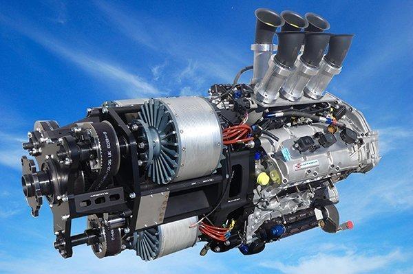 Le module hybride de VoltAero combine un moteur à six cylindres Nissan avec 3 moteurs électriques