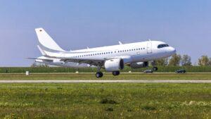Airbus A220 au décollage
