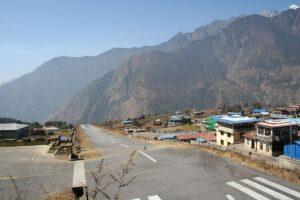 L'aéroport de Tenzing Hillary à Lukla, Népal