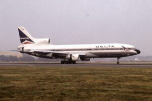 11 - Lockheed L-1011 TriStar